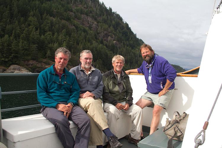 Vancouver Island, Alberni Inlet, sea kayakers en route Deer Group, British Columbia, Canada, wilderness coast, west coast, summer,