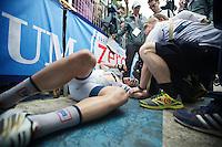 2013 Giro d'Italia.stage 5: Cosenza - Matera .203 km..winner John Degenkolb (DEU) collapses with pain and join behind the finishline
