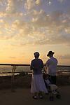 Israel, Tel Aviv-Yafo, Tashlich ceremony in Ha'atzmaut park by the sea