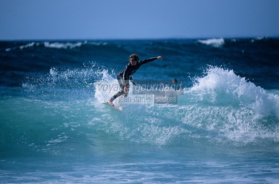 Europe/France/Bretagne/29/Finistère/Pointe de la Torche: Surfeur