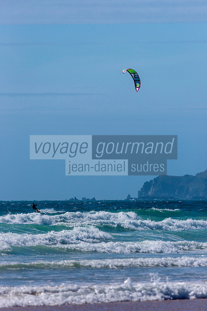 Europe/France/Normandie/Basse-Normandie/50/Manche/ Vauville: l'Anse de Vauville: Plage  et Kitesurf //   <br />   France, Manche, Vauville, the beach on the Anse de Vauville, kitesurf