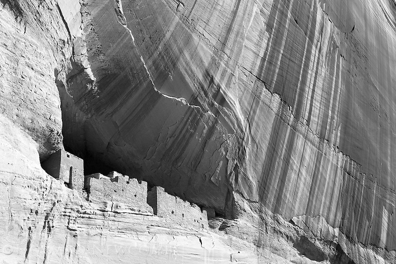The White House ruins as seen from the canyon floor in Canyon de Chelly National Mounument, Arizona.