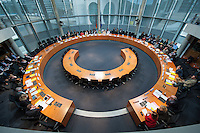 In der ersten Sitzung des Petitionsausschuss in der Legislaturperiode 2014 wurde die Petition zum Erhalt der Kuenstlersozialkasse (KSK) behandelt.<br />Mit der Petition soll erreicht werden, dass saemtliche Unternehmen die freischaffende Kuenstlerinnen und Kuenstler beschaeftigen, spaetestens nach vier Jahren von der Deutschen Rentenversicherung daraufhin geprueft werden ob sie ihrer Abgabepflicht nach dem Kuenstlersozialversicherungsgesetz nachkommen.<br />17.3.2014, Berlin<br />Copyright: Christian-Ditsch.de<br />[Inhaltsveraendernde Manipulation des Fotos nur nach ausdruecklicher Genehmigung des Fotografen. Vereinbarungen ueber Abtretung von Persoenlichkeitsrechten/Model Release der abgebildeten Person/Personen liegen nicht vor. NO MODEL RELEASE! Don't publish without copyright Christian-Ditsch.de, Veroeffentlichung nur mit Fotografennennung, sowie gegen Honorar, MwSt. und Beleg. Konto:, I N G - D i B a, IBAN DE58500105175400192269, BIC INGDDEFFXXX, Kontakt: post@christian-ditsch.de]