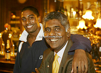 20030917, Zwolle, Davis Cup, NL-India, Vijay Amritraj with his son Prakash