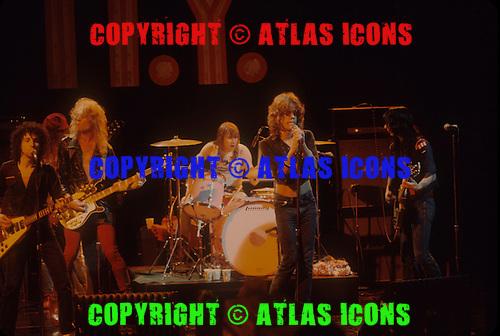 NEW YORK DOLLS, LIVE,  LOCATION, BACKSTAGE 1973, NEIL ZLOZOWER