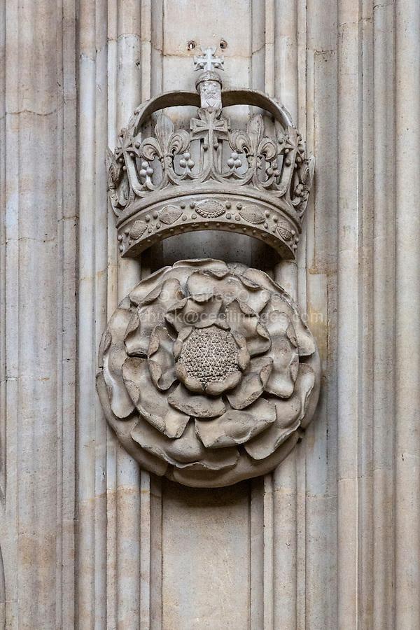 UK, England, Cambridge.  King's College Chapel, Tudor Rose and Crown.