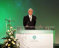 Ansprache vom DFB Vorsitzenden Dr. Reinhard Rauball<br /> 39. Ordentlicher DFB-Bundestag in der Rheingoldhalle<br /> *** Local Caption *** Foto ist honorarpflichtig! zzgl. gesetzl. MwSt. Es gelten ausschließlich unsere unter <br /> <br /> Auf Anfrage in hoeherer Qualitaet/Aufloesung. Belegexemplar an: Marc Schueler, Am Ziegelfalltor 4, 64625 Bensheim, Tel. +49 (0) 6251 86 96 134, www.gameday-mediaservices.de. Email: marc.schueler@gameday-mediaservices.de, Bankverbindung: Volksbank Bergstrasse, Kto.: 151297, BLZ: 50960101