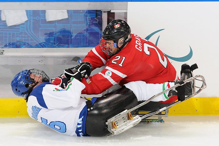 Raymond Grassi, Vancouver 2010 - Para Ice Hockey // Para-hockey sure glace.<br /> Team Canada plays against Italy in Para Ice Hockey action // Équipe Canada affronte l'Italie dans un match de para-hockey sur glace. 13/03/2010.