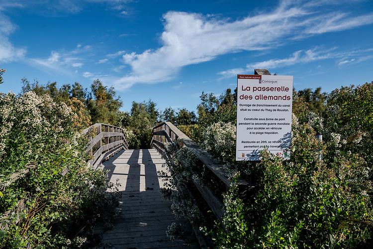 Passerelle des Allemands - Autour de Port-SAint-Louis du Rhône