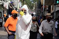 Campinas (SP), 07/04/2021 - Covid-19/Limpeza - A Defesa Civil e funcionários da prefeitura da cidade de Campinas, interior de São Paulo, fazem a higienização das vias públicas e calçadas como forma de conter o avanço da pandemia da covid-19, nesta quarta-feira (07) no centro da cidade de Campinas (SP).