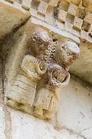 France, Aquitaine, Landes (40) , Hastingues: Abbaye d'Arthous , l'église Notre Dame - détail modillons du chevet /  France, Aquitaine, Landes, Hastingues: Arthous abbey, apse modillons