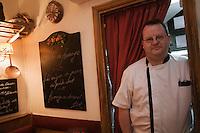 Europe/France/Rhône-Alpes/69/Rhône/Lyon:  Au Petit Bouchon :Chez Georges, 8  rue du Garet- Marc Gorgette