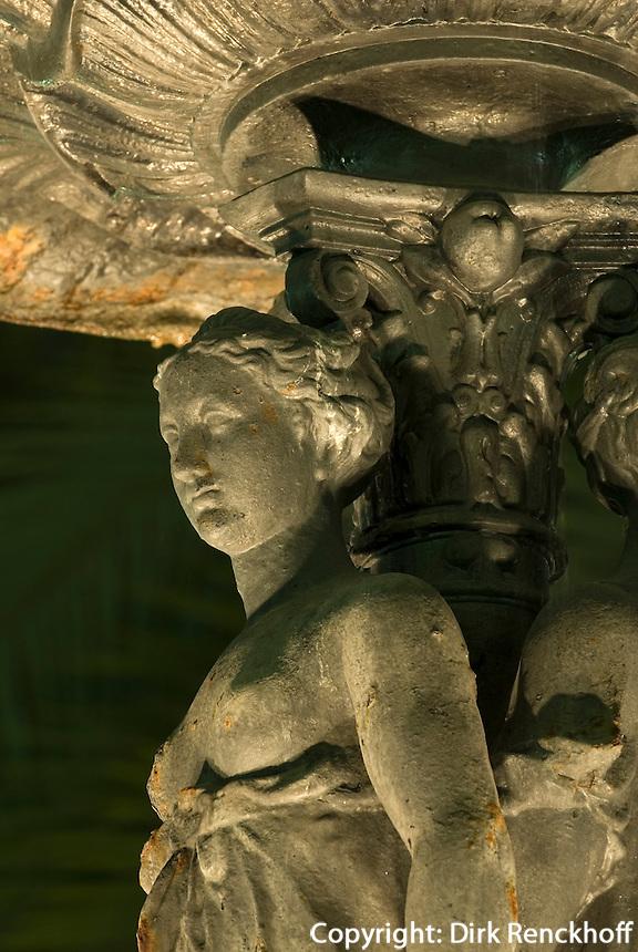 Spanien, Barcelona, Brunnen an der Placa Reial