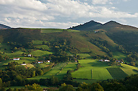 Europe/France/Aquitaine/64/Pyrénées-Atlantiques/Pays-Basque/Itxassou: Vue sur les Pyrénées Basques