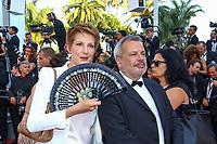 Natacha Polony et son compagnon Périco Légasse, sur le tapis rouge pour la projection du film D APRES UNE HISTOIRE VRAIE, hors competition lors du soixante-dixième (70ème) Festival du Film à Cannes, Palais des Festivals et des Congres, Cannes, Sud de la France, samedi 27 mai 2017.