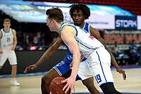 03-04-2021: Basketbal: Donar Groningen v Heroes Den Bosch: Groningen Donar speler Willem Brandwijk met Den Bosch speler Demario Mayfield