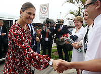 Victoria, Crown Princess of Sweden and  Duchess of Västergötland greats the staff of the National Cancer Institute in Lima, Peru, October 20 2015. The Princess is in the second day of her visit to Peru along with her husband  Daniel Westling. The National Cancer Institute provides treatment and research to help kids with cancer.<br /> <br /> <br /> Foto Geraldo Caso/Archivolatino/Astufoto