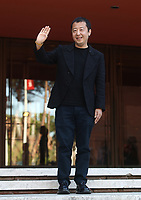 Il regista cinese Jia Zhangke posa durante un red carpet alla 14^ Festa del Cinema di Roma all'Aufditorium Parco della Musica di Roma, 26 ottobre 2019.<br /> Chinese director Jia Zhangke poses on a red carpet  during the 14^ Rome Film Fest at Rome's Auditorium, on 26 October 2019.<br /> UPDATE IMAGES PRESS/Isabella Bonotto