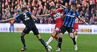 KV Kortrijk - Club Brugge : Lukas Van Eenoo (midden) tussen Timmy Simons (r) en Davy De Fauw (links) <br /> Foto VDB / Bart Vandenbroucke
