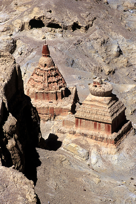CHORTENS & MEDITATION CAVES at TSAPARANG, the lost city of the GUGE KINGDOM west of MOUNT KAILASH - TIBET
