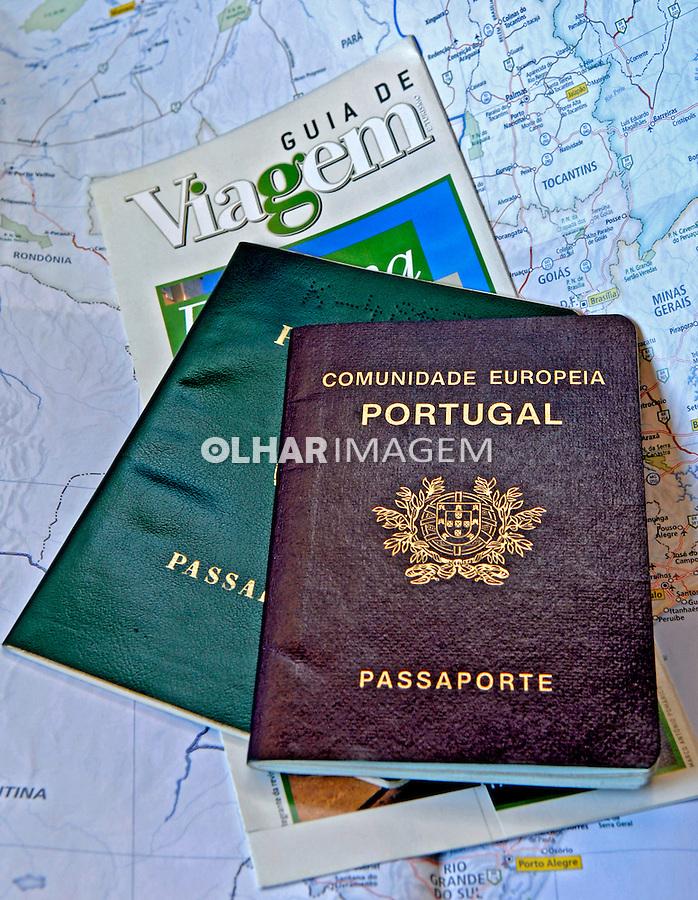 Documentos de viagem, passaportes. Foto de Manuel Lourenço.