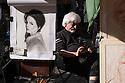 Paris, France. 09.05.2015. Artist in la Place du Tertre, Montmartre, Paris, France. Photograph © Jane Hobson.