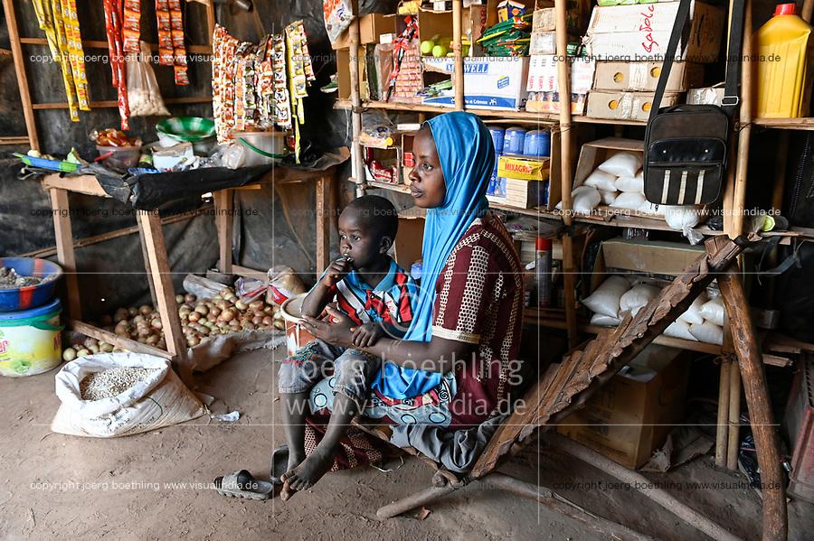 MALI, Kayes, Sadiola, gold ming camp, small shop for miner / Goldbergbau Camp, Frau Aicha DIALLO betreibt einen kleinen Laden fuer die Goldsucher