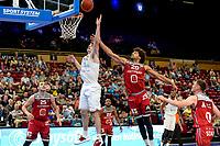GRONINGEN - Basketbal , Open Dag met Donar - Antwerp Giants , voorbereiding seizoen 2021-2022, 05-09-2021,  Donar speler Henry Caruso met Jean Marie Mwema