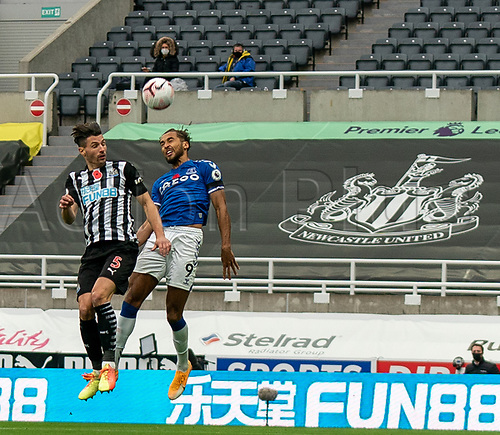 1st November 2020; St James Park, Newcastle, Tyne and Wear, England; English Premier League Football, Newcastle United versus Everton; Dominic Calvert-Lewin of Everton and Fabian Schär of Newcastle United challenge for a header