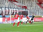 Papadopoulos mit dem 1-1 beim Spiel in der 3. Liga, Hallescher FC - 1. FC Kaiserslautern.<br /> <br /> Foto © PIX-Sportfotos *** Foto ist honorarpflichtig! *** Auf Anfrage in hoeherer Qualitaet/Aufloesung. Belegexemplar erbeten. Veroeffentlichung ausschliesslich fuer journalistisch-publizistische Zwecke. For editorial use only. DFL regulations prohibit any use of photographs as image sequences and/or quasi-video.