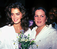 Brooke with mom Teri Shields 1980s Photo by Adam Scull-PHOTOlink.net