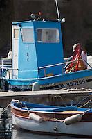Europe/France/Corse/2B/Haute-Corse/Cap Corse/Erbalunga: Le port de pêche _ Pêcheur au retour de pêche [Non destiné à un usage publicitaire - Not intended for an advertising use]