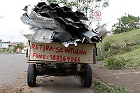 Indaiatuba (SP), 18/11/2020 - Clima - As fortes chuvas que atingirtam a RMC (Região Metropolitana de Campinas) n na noite desta terça-feira (17) causaram estragos na cidade de Indaiatuba, interior de São Paulo. O teto de um posto de combustivel e vários postes e arvores no Europark Comercial cairam.