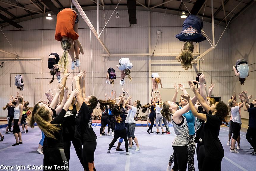 UK. Birmingham. 27th  October 2015<br /> The Birmingham Lions cheerleaders in raining on the University of Birmingham campus.<br /> Andrew Testa for  the New York Times