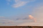 Europa, DEU, Deutschland, Nordrhein Westfalen, NRW, Rheinland, Niederrhein, Toenisberg, Abenddaemmerung, Himmel, Wolkenstimmung ueber den Schaephuysener Hoehen, Kategorien und Themen, Wetter, Himmel, Wolken, Wolkenkunde, Wetterbeobachtung, Wetterelemente, Wetterlage, Wetterkunde, Witterung, Witterungsbedingungen, Wettererscheinungen, Meteorologie, Bauernregeln, Wettervorhersage, Wolkenfotografie, Wetterphaenomene, Wolkenklassifikation, Wolkenbilder, Wolkenfoto....[Fuer die Nutzung gelten die jeweils gueltigen Allgemeinen Liefer-und Geschaeftsbedingungen. Nutzung nur gegen Verwendungsmeldung und Nachweis. Download der AGB unter http://www.image-box.com oder werden auf Anfrage zugesendet. Freigabe ist vorher erforderlich. Jede Nutzung des Fotos ist honorarpflichtig gemaess derzeit gueltiger MFM Liste - Kontakt, Uwe Schmid-Fotografie, Duisburg, Tel. (+49).2065.677997, ..archiv@image-box.com, www.image-box.com]