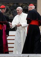 Papa Francesco saluta alcuni cardinali al termine dell'incontro con gli appartenenti al Rinnovamento nello Spirito Santo in Piazza San Pietro, Citta' del Vaticano, 3 luglio 2015.<br /> Pope Francis greets some cardinals at the end of his meeting with members of the Catholic Charismatic Renewal in St. Peter's Square at the Vatican, 3 July 2015.<br /> UPDATE IMAGES PRESS/Isabella Bonotto<br /> <br /> STRICTLY ONLY FOR EDITORIAL USE
