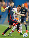 Atletico de Madrid's Gabi Fernandez (l) and SL Benfica's Andreas Samaris during Champions League 2015/2016 match. September 30,2015. (ALTERPHOTOS/Acero)