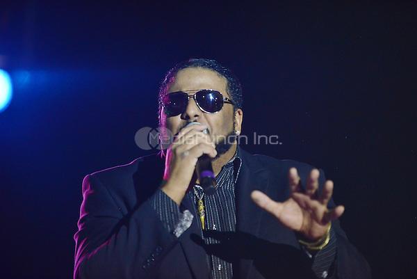 POMPANO BEACH, FL - DECEMBER 02: Al B. Sure performs onstage at Pompano Beach Amphitheatre on December 2, 2016 in Pompano Beach, Florida. Credit: MPI10 / MediaPunch