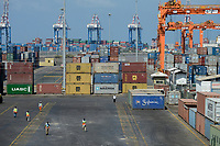 DJIBOUTI, new Doraleh Container Terminal DCT, was built in 2009 by the Dubai shipping company DP World, most of the goods for or from Ethiopia are shipped via Djibouti / DSCHIBUTI, neuer Container Hafen Doraleh DCT, gebaut von DP World aus Dubai, die China Merchants Ports Holding haelt auch Anteile an dem Projekt, die meisten Waren fuer Aethiopien werden ueber Djibouti verschifft