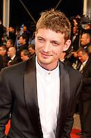 Neils Schneider arrive sur le tapis rouge pour la projection du film 'Juste la fin du monde' lors du 69ème Festival du Film à Cannes le jeudi 19 mai 2016.