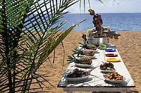 """Europe/France/DOM/Antilles/Petites Antilles/Guadeloupe/Deshaie : Restaurant """"Karacoli"""" à Grande Anse - Mme Lucienne Salcede membre de l'association des cuisinières Autorisation :N° 219"""