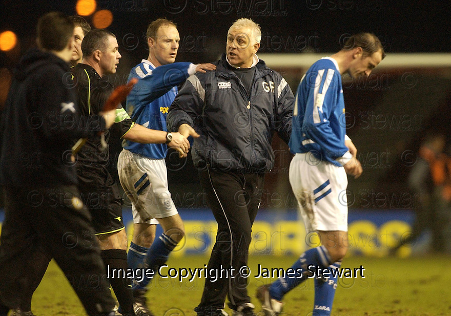 14/01/2006         Copyright Pic: James Stewart.File Name : sct_jspa12_clyde_v_stjohnstone.GRAHAM ROBERTS HAS A GO AT REFEREE BRIAN WINTER AT THE END OF THE GAME....Payments to :.James Stewart Photo Agency 19 Carronlea Drive, Falkirk. FK2 8DN      Vat Reg No. 607 6932 25.Office     : +44 (0)1324 570906     .Mobile   : +44 (0)7721 416997.Fax         : +44 (0)1324 570906.E-mail  :  jim@jspa.co.uk.If you require further information then contact Jim Stewart on any of the numbers above.........