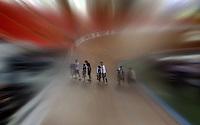 CALI - COLOMBIA - 02-03-2014: Prueba de Keirin Damas en el Velodromo Alcides Nieto Patiño, sede del Campeonato Mundial UCI de Ciclismo Pista 2014. /Test of the Women´s Keirin at the Alcides Nieto Patiño Velodrome, home of the 2014 UCI Track Cycling World Championships. Photos: VizzorImage / Luis Ramirez / Staff.