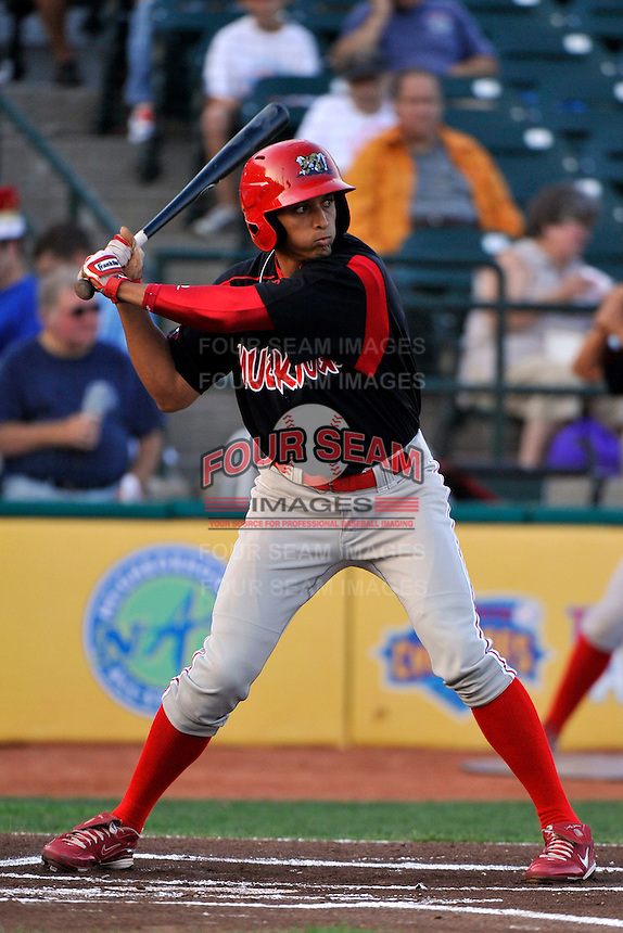 Batavia Muckdogs outfielder Nick Longmire (31) during game against the Brooklyn Cyclones at MCU Park in Brooklyn, NY August 4, 2010. Cyclones won 4-0.  Photo By Tomasso DeRosa/ Four Seam Images