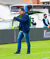 TUNJA-COLOMBIA, 19-09-2020: Nelson Gomez, técnico de Patriotas Boyaca, durante partido de la fecha 9 entre Patriotas Boyaca y Envigado F.C., por la Liga BetPlay DIMAYOR I 2020, jugado en el estadio La Independencia de la ciudad de Tunja. / Nelson Gomez, coach of Patriotas Boyaca during a match of the 9th date between Patriotas Boyaca and Envigado F.C., for the BetPlay DIMAYOR Leguaje I 2020 played at the La Independencia stadium in Tunja city. / Photo: VizzorImage / Edward Leguizamon / Cont.