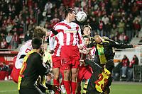 Kopfball Marius Nikulae (FSV Mainz 05) +++ Marc Schueler +++ 1. FSV Mainz 05 vs. Borussia Dortmund, 31.01.2007, Stadion am Bruchweg Mainz +++ Bild ist honorarpflichtig. Marc Schueler, Kreissparkasse Grofl-Gerau, BLZ: 50852553, Kto.: 8047714