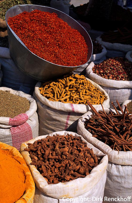 Gewürze auf dem Markt in Douz, Tunesien