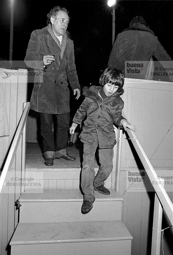 - Milano, l'anarchico Pietro Valpreda durante un comizio in piazza Fontana, col figlio Tupac (febbraio 1984)<br /> <br /> - Milan, anarchist Pietro Valpreda during a meeting in Fontana Square, with the son Tupac (February 1984)