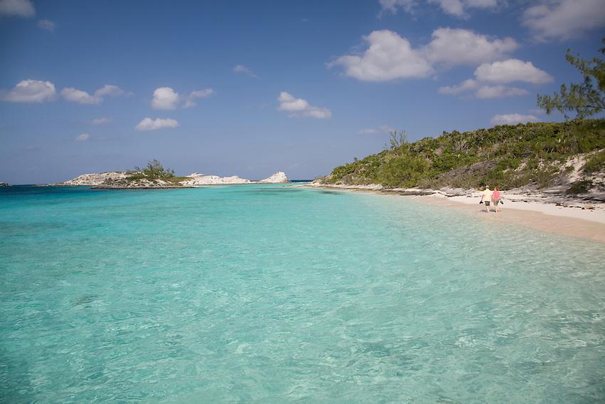 Couple on Pirate's Beach, STaniel CAy, Exumas, Bahamas