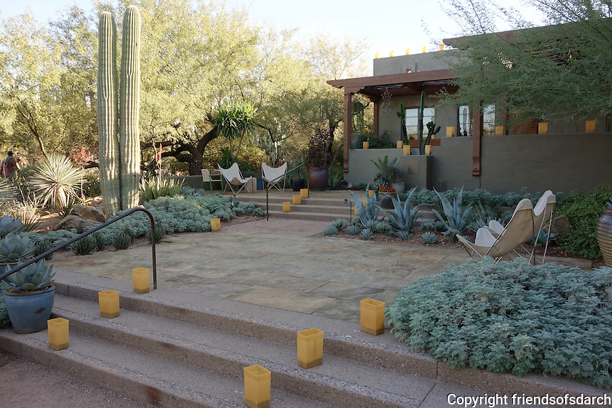 The Desert Botanical Garden, Phoenix, AZ, 2010-2011. A multidisciplinary garden that interweaves education, horticulture and display into the fabric of the garden. The design considers the specific qualities and assets of the Sonoran desert context. Leigh Kyle, landscape architect. Photo by Spurlock Poirier Landscape Architects.